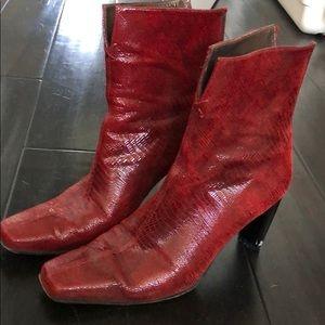 Stuart Weizman Red leather python heels 8